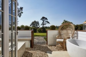 magpie-featured-image-lympstone-manor